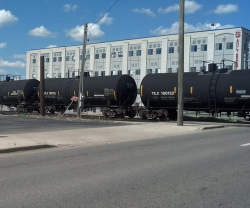 Rail shipments of oil here to stay, IHS finds