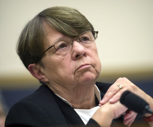 SEC chief White confirms she will leave with Obama administration