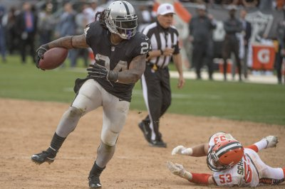 Oakland Raiders place Marshawn Lynch on injured reserve