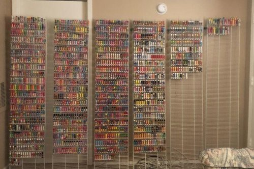 Texas woman collects 1,622 lip balms for Guinness record
