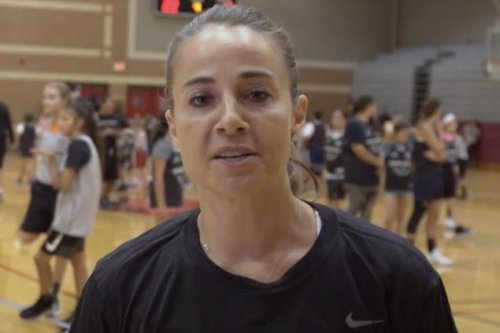 Spurs assistant Becky Hammon a finalist for Trail Blazers head coaching job