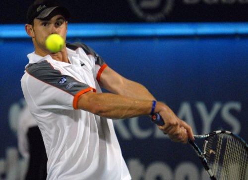 Roddick reaches quarterfinals in LA