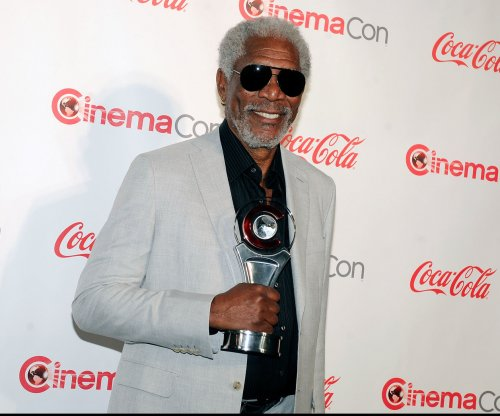 Morgan Freeman unharmed in private plane's emergency landing
