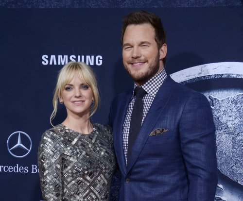 Chris Pratt, Anna Faris learn wrestling moves from Dave Bautista