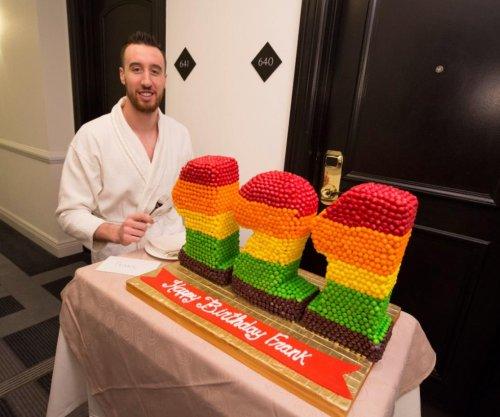 Frank Kaminsky celebrates '121st' birthday with Skittles cake