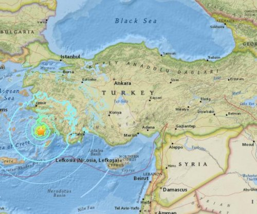 6.7-magnitude earthquake triggers 'small' tsunami in Turkey
