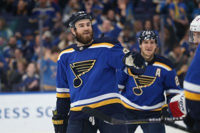 Stanley Cup Final: St. Louis Blues beat Boston Bruins in Game 4 to tie series