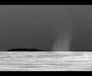 Mars rover snaps photo of dust devil