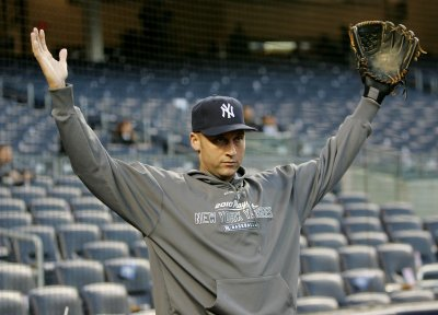 Yankees, Jeter in contract tussle