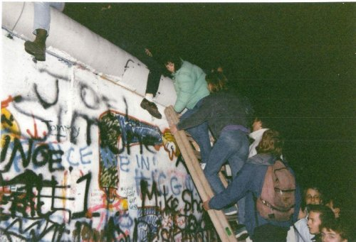 Flashback: East Germany opens Berlin Wall
