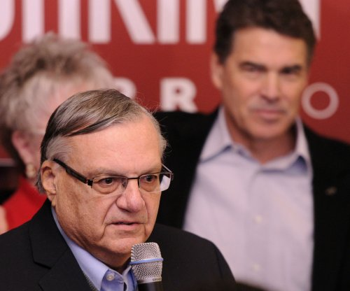 Judge blocks Phoenix Sheriff Joe Arpaio's workplace raids