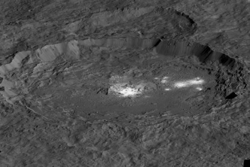 Ceres' bright spots suggest the dwarf planet is geologically active