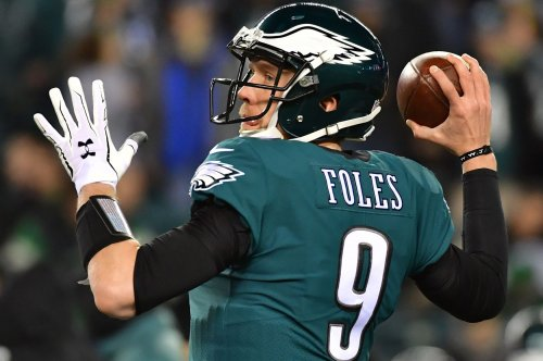 Eagles expect Foles to play Thursday