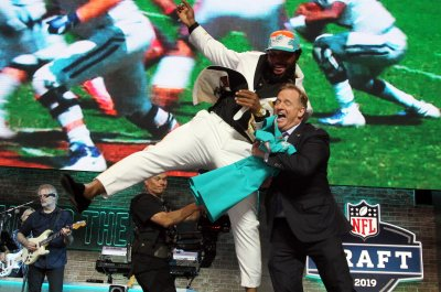 NFL Draft 2019: Dolphins' Christian Wilkins nearly tackles Commissioner Roger Goodell