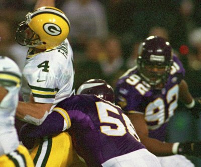 Hall of Fame NFL defensive end Chris Doleman dies at 58