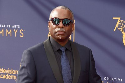 'Jeopardy!' taps LeVar Burton, Robin Roberts as new guest hosts