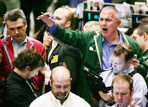 Analysis: Oil price-speculators link eyed