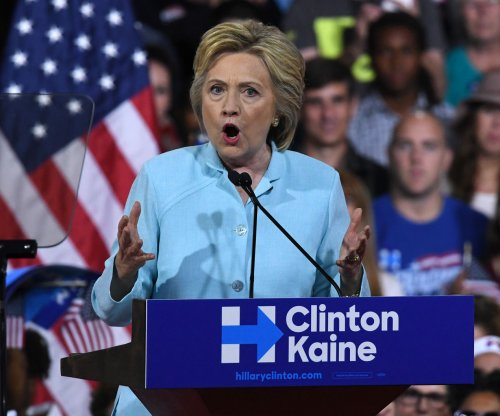 Clinton asks Congress to return from summer break to pass emergency Zika funding