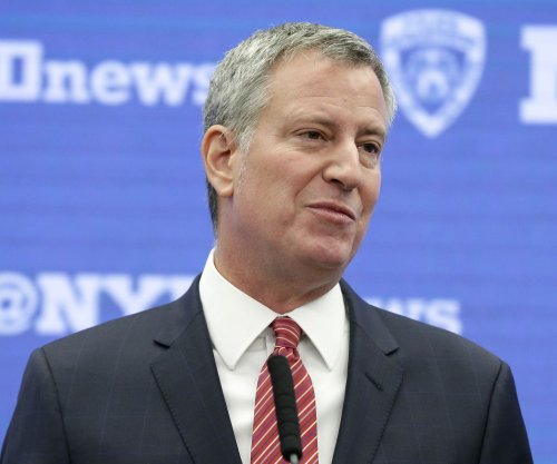 FBI, prosecutors question NYC mayor in campaign corruption allegations