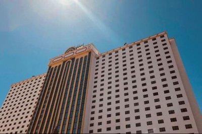 Icahn Enterprises sells casinos, resorts to Gaming and Leisure