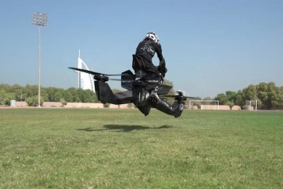 Dubai police training to ride drone-like 'hoverbikes'