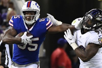 Arizona Cardinals sign former Buffalo Bills TE Charles Clay