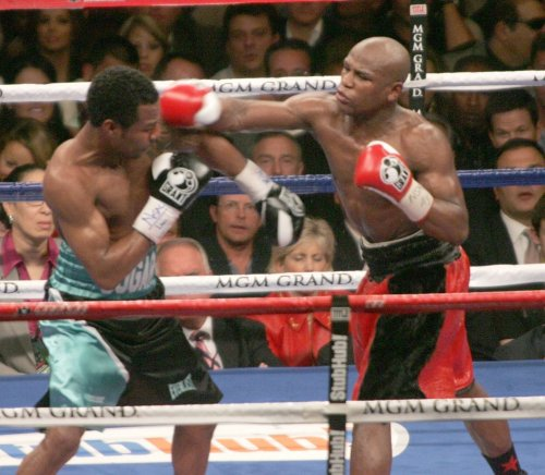 Mayweather accepts plea deal on assaults
