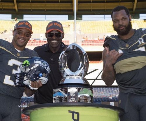 Seattle Seahawks' Russell Wilson, Michael Bennett win Pro Bowl MVP awards