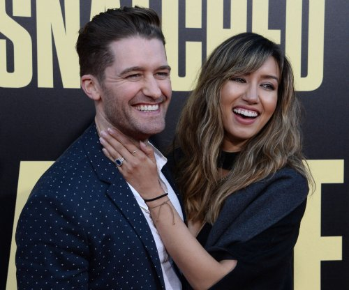 'Glee' alum Matthew Morrison expecting first child