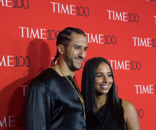 Colin Kaepernick signs $1 million book deal; remains without NFL contract