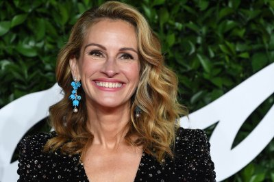 Julia Roberts celebrates 19th wedding anniversary with Danny Moder on Instagram