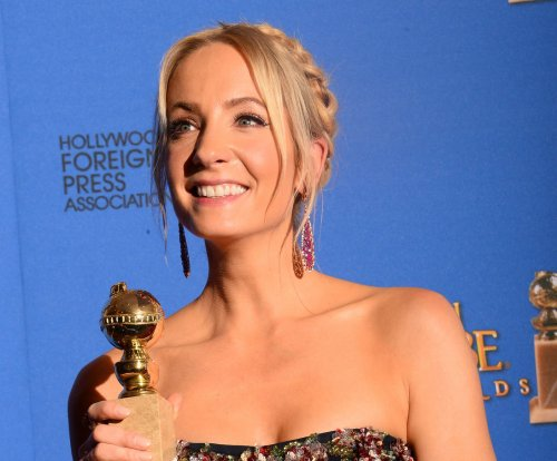 Joanne Froggatt wins Golden Globe, recognizes rape victims in heartfelt acceptance speech
