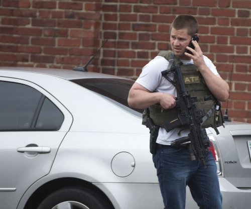 Law enforcement gives 'all clear' after U.S. Navy Yard lockdown