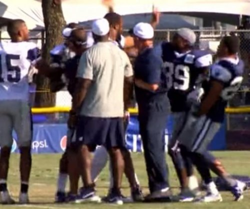 Dez Bryant dukes it out at Dallas Cowboys camp