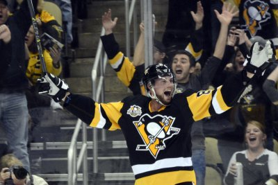 Pittsburgh Penguins top Columbus Blue Jackets, solidify hold on 2nd place in Metro Division