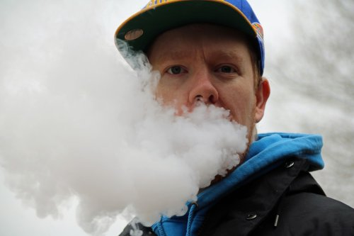 'Ice' flavored e-cigarettes may increase nicotine dependence risk in vapers