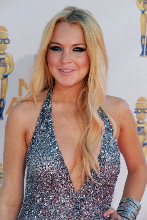 Lohan staying in sober-living house