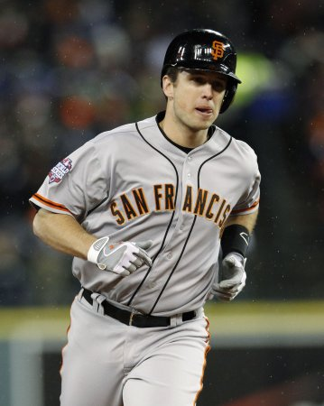 Posey signs eight-year deal with Giants