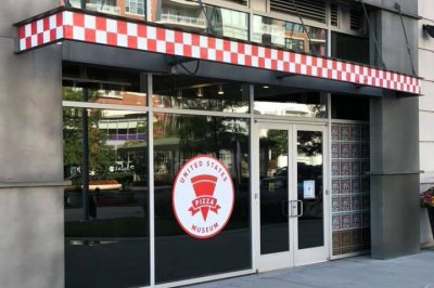 Pizza Museum opens in Chicago, to New York's chagrin