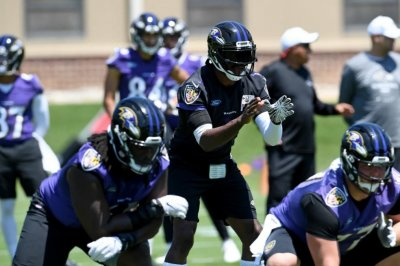 Robert Griffin III breaks thumb at Ravens training camp