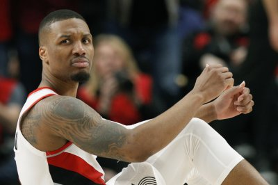 Blazers' Damian Lillard, fiancee expecting twin boy, girl