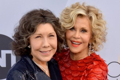 Netflix releases 4 episodes of 'Grace and Frankie' Season 7 early