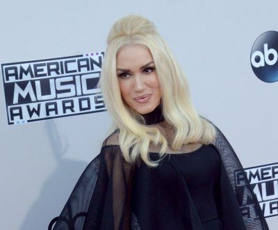 Gwen Stefani debuts 'Misery' music video