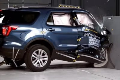 Ford Explorer, Jeep Grand Cherokee show safety flaws in IIHS testing