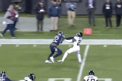 Titans' Derrick Henry has 3 stiff-arms on 99-yard TD run