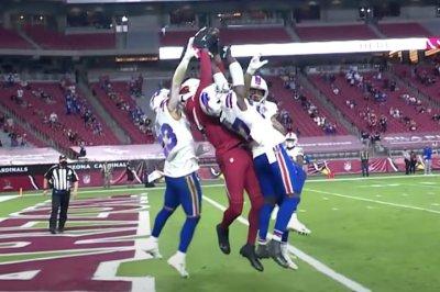 DeAndre Hopkins-Kyler Murray Hail Mary TD puts Cardinals over Bills
