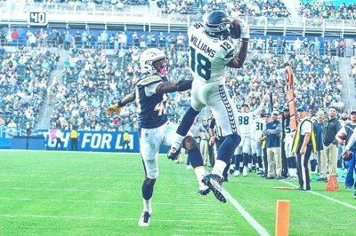 Seattle Seahawks: WR Kasen Williams battling for roster spot at deep receiver position