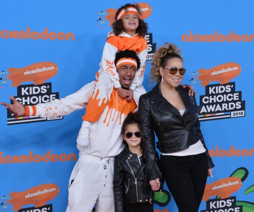 Mariah Carey, Nick Cannon match with twins at Kids' Choice Awards