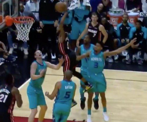 Heat's Derrick Jones Jr. throws down huge dunk on Hornets