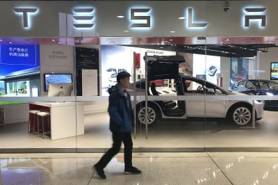 NTSB links third death to Tesla autopilot system